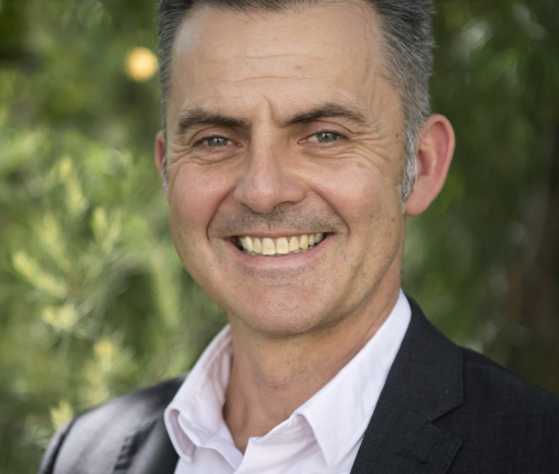 Dr Andre Zerger