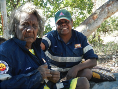 Photo of Cherry Daniels (first Yugul Mangi Ranger co-ordinator, Senior Ngandi woman and IPA Cultural Advisor) with Edna Nelson (Yugul Mangi Ranger).